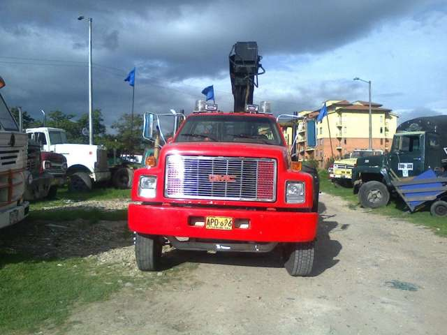 Se alquila camion grua 8 t certificado
