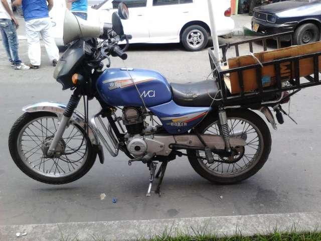 Vendo moto bóxer 100 cc