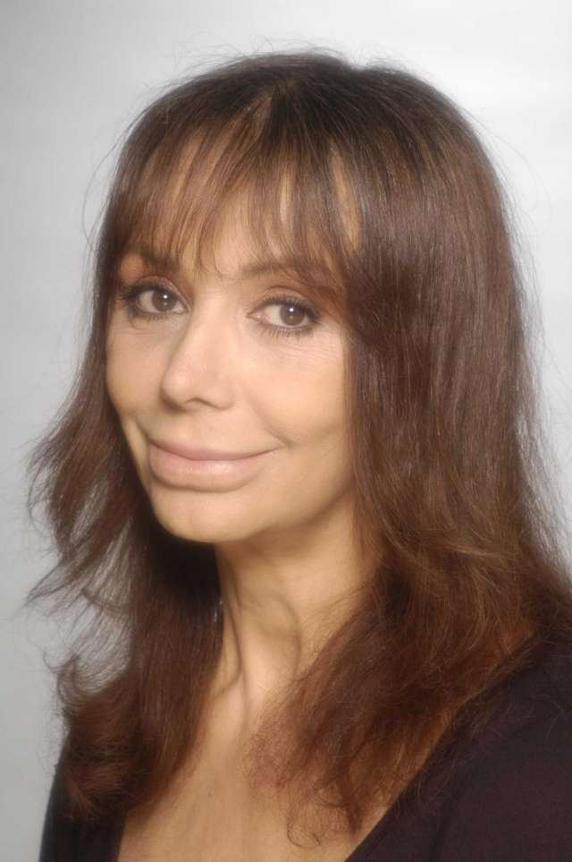 Se ofrece:actriz-autora-profesora teatro argentina