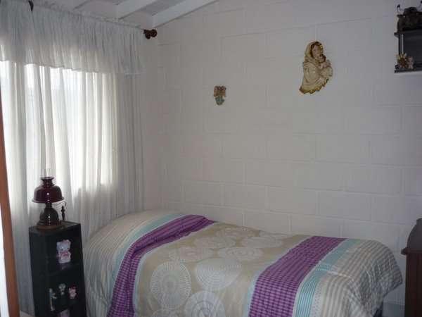 Se vende casa unifamiliar con sala garaje (cabañitas)