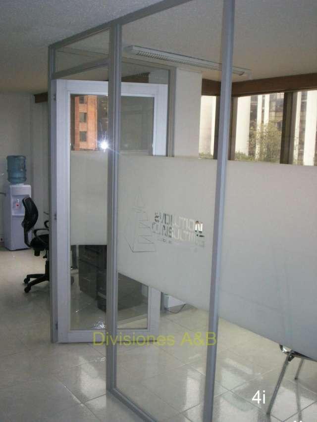 Divisiones para oficina en variedad de diseños