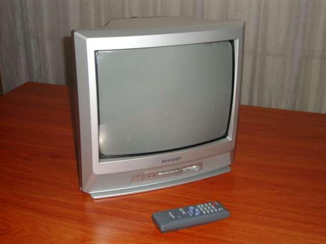 "Televisores 14"" color usados, control remoto"