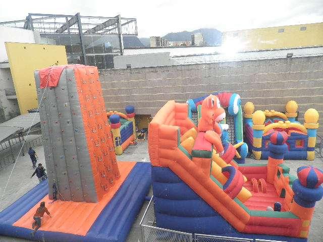 Fotos de Fabrica inflables juegos extremos parques infantiles expedicion polizas 4