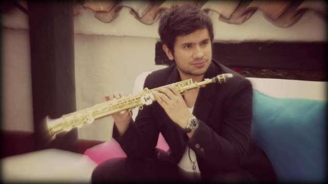 Saxofonista, show musica en vivo para restaurantes en bogota