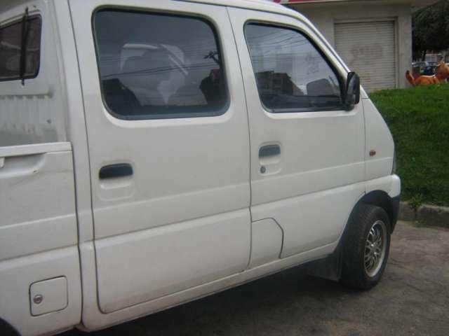 Ofrezco camioneta chana 2010, 5 pasajeros y carga