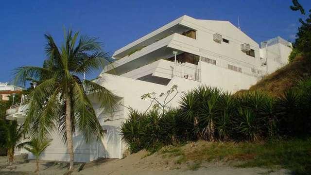 Casa en santa marta en venta, frente al mar en conjunto residencial, 1130 m2