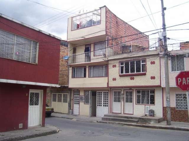 Vendo casa 4 pisos con 4 apartamentos independientes