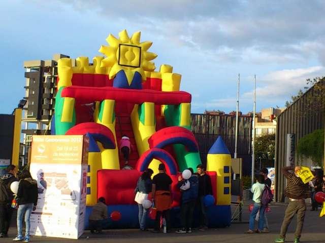 Fabrica inflables juegos parques muro escalar trampolin esferas acuaticas
