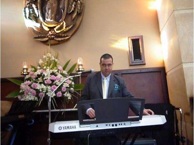 Fotos de Organista, musico coteles, grados tel: 3193676786 4