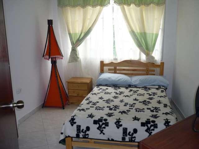 Sector estudiantil $35.000 chapinero palermo colombia, bogota arriendo casa hotel dias habitaciones individuales y para grupos grandes y pequeños