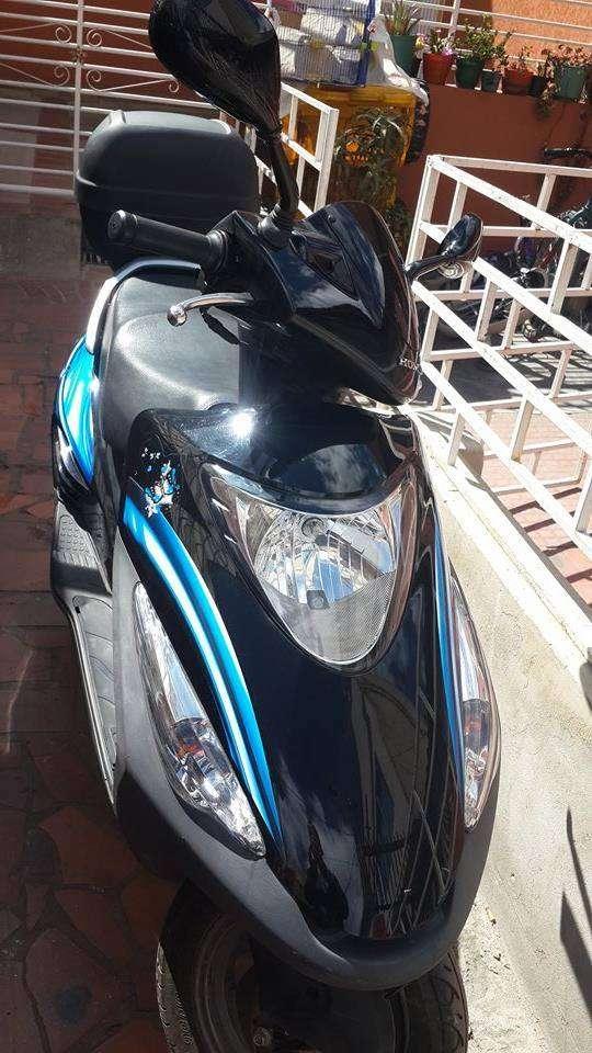 Vendo honda scooter elite 125 como nueva, poco uso real. gran oferta!