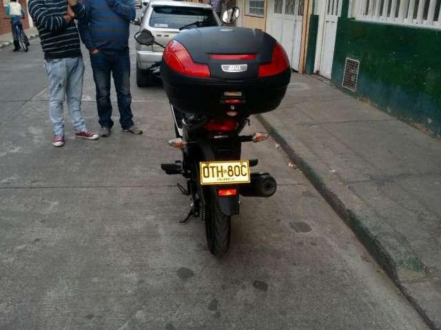 Fotos de Moto honda invicta 150 3