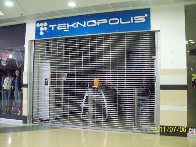 Fabricacion de cortinas manuales y electricas, puertas y portones metalicos