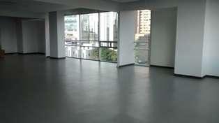 Arriendo oficina santa barbara alta bogota, area total 210m²