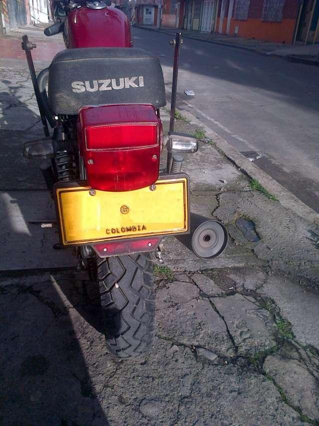 Fotos de Moto suzuki gn125h 2012 3