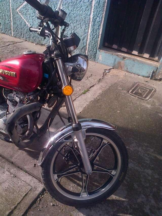 Fotos de Moto suzuki gn125h 2012 5