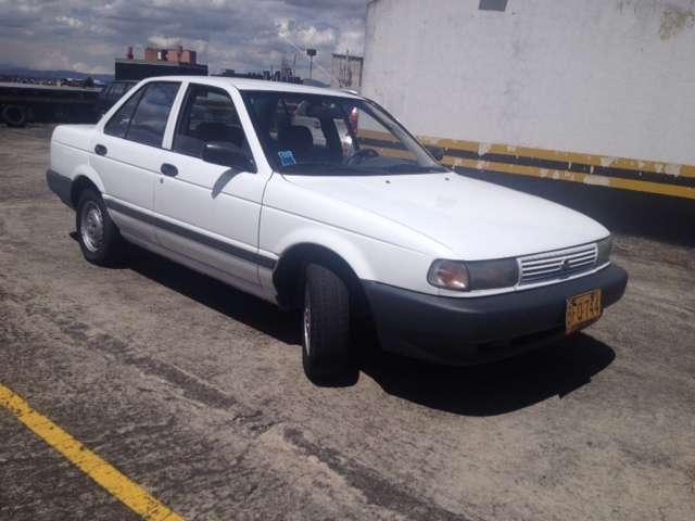 Fotos de Exelente auto nisssan modelo 1994 1