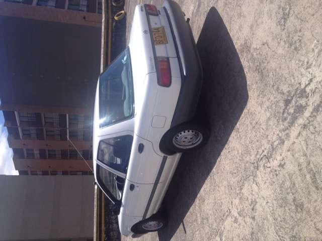 Fotos de Exelente auto nisssan modelo 1994 6