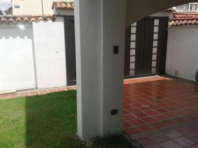 Hermosa casa remodelada las villas 4 alcobas, jardines, garajes
