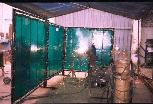 Fotos de Elaboramos, fabricamos y distribuimos cortinas especializadas para soldaduras 2