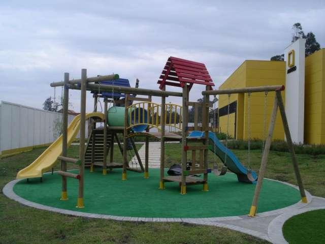 Diseño, fabricación, suministro, instalación, reparación, mantenimiento, repuestos, todo tipo de parques; consultenos