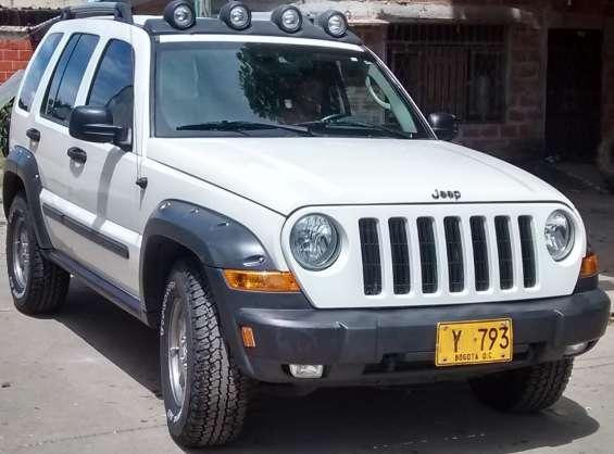 Camioneta,  jeep cherokee renegade mec 4x4 3.7