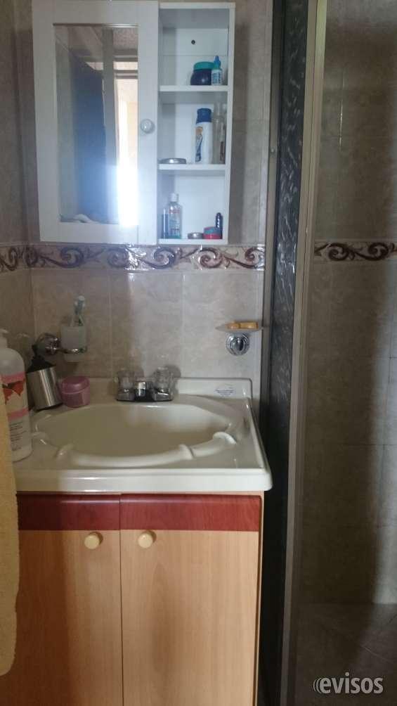 Baño con mueble