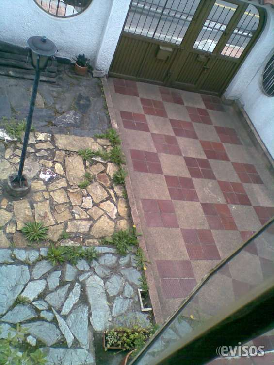 Jardin y garaje exterior