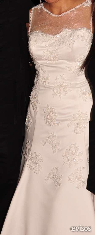Lindo vestido de novia con única postura