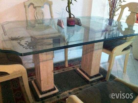Vendo hermoso comedor 6 puestos bases en mármol ,4 sillas ,vidrio13 mm motivó viaje