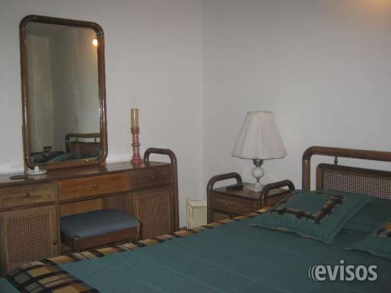 Habitación muy amplia con baño privado