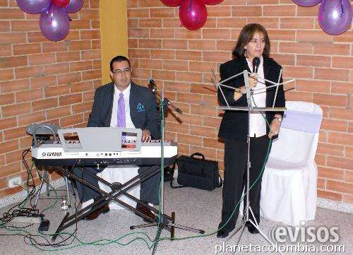 Organista vocalista en bogotá tel 3193676786