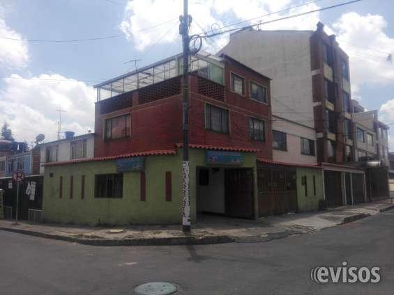 Casa tres pisos con local. barrio marsella. $ 440'000.000