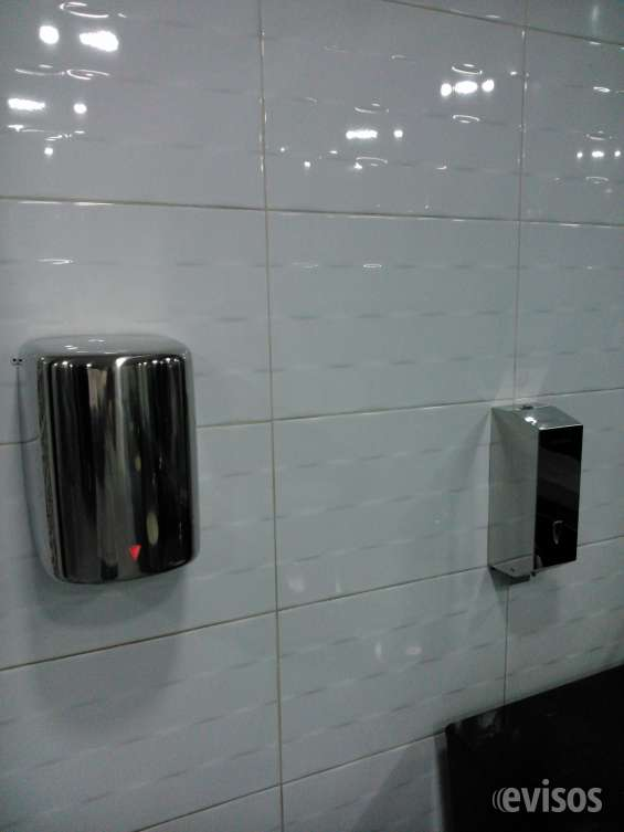 Fotos de Secador de manos y jaboneras 4