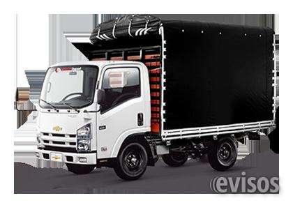 Camion de estacas con carpa