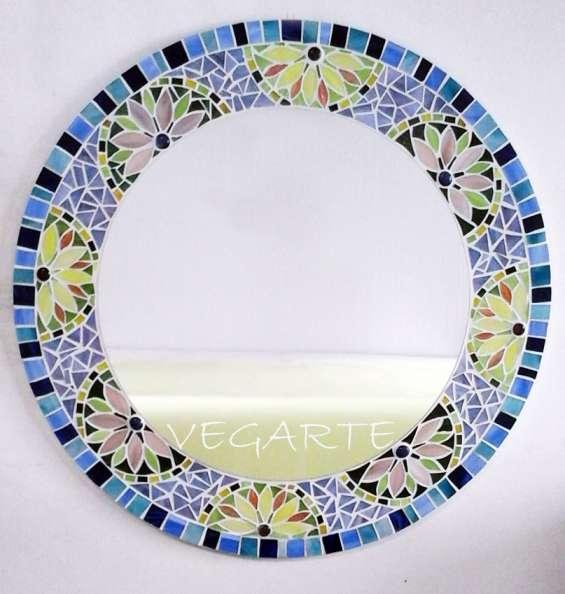 Espejos de pared en mosaico