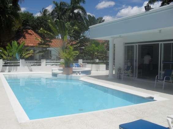 Casa quinta con piscina en el peñón girardot para estas vacaciones
