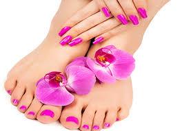 Servicio de manicure y pedicure