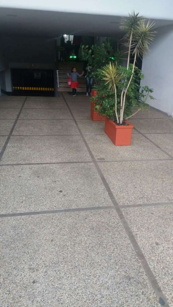 Vendo hermoso local comercial acreditado