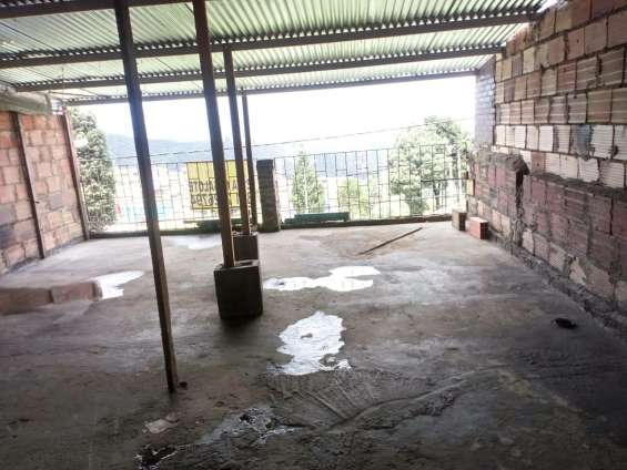 Fotos de Se vende casa en bogota-en el barrio libertadores 13