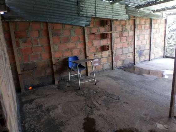 Fotos de Se vende casa en bogota-en el barrio libertadores 12